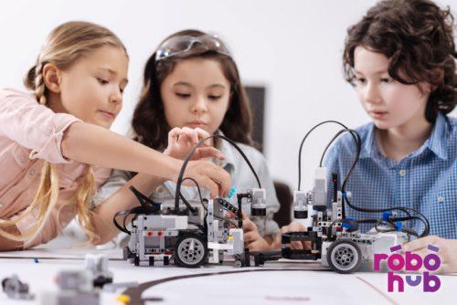 Robotika sākumskolā, STEM un robotika